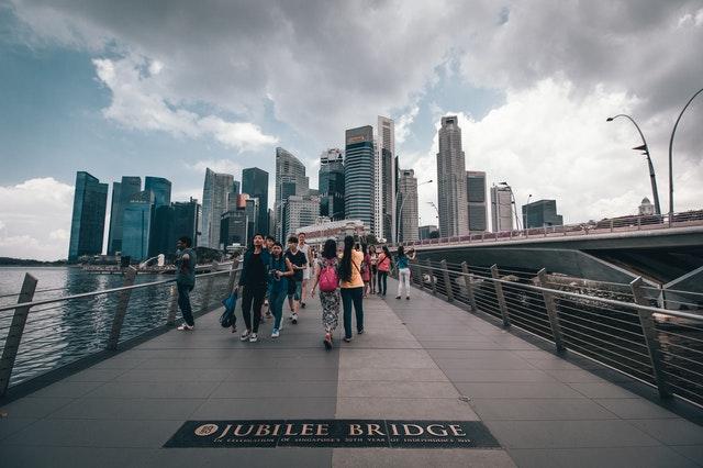 Zábradlie na moste.jpg